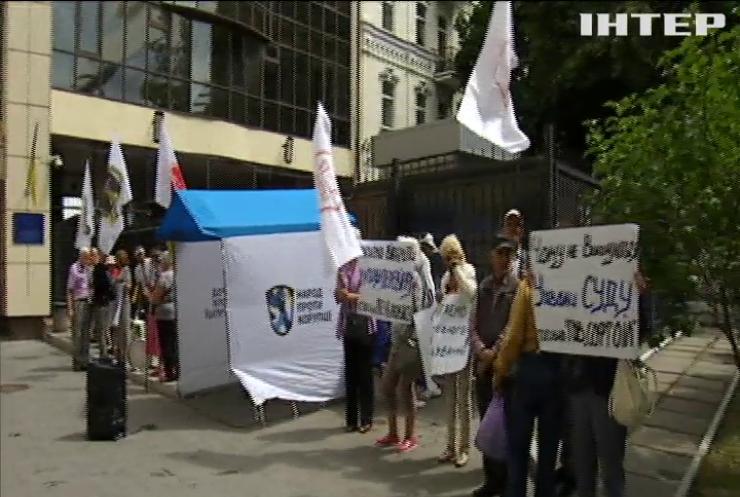Представники Фіскальної служби Дніпропетровщині не полишають спроб заволодіти приватною оливою на мільйони доларів