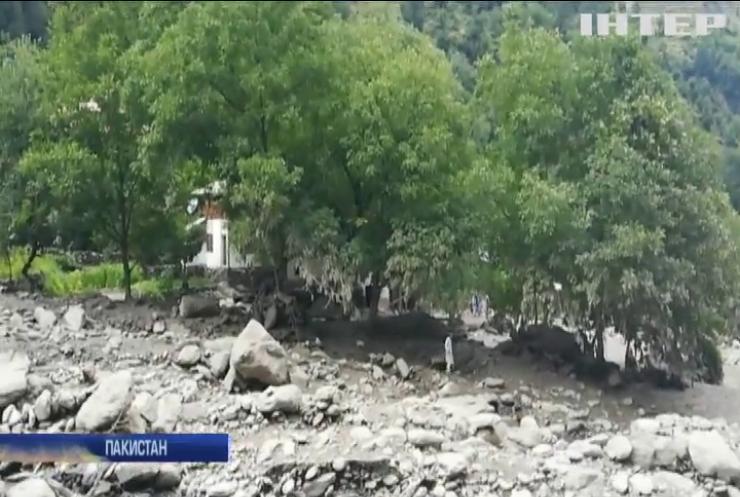У Пакистані через зливи та паводки загинули люди