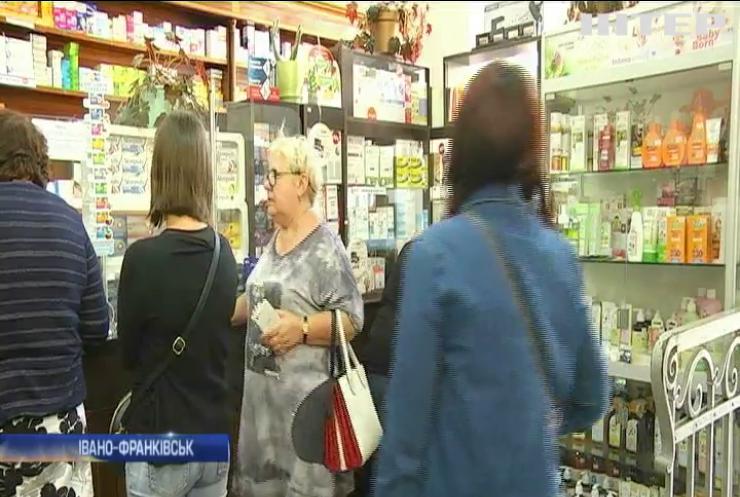 В Івано-Франківську поліція накрила підпільний цех з виготовлення ліків