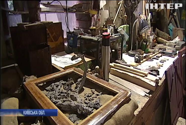 На Київщині чоловік створює скульптури з будівельного сміття
