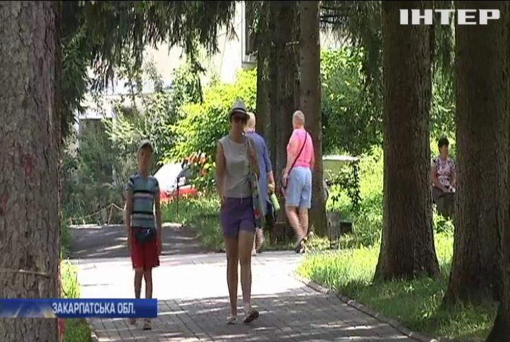 Виборчі дільниці Закарпаття готуються приймати зареєстрованих туристів