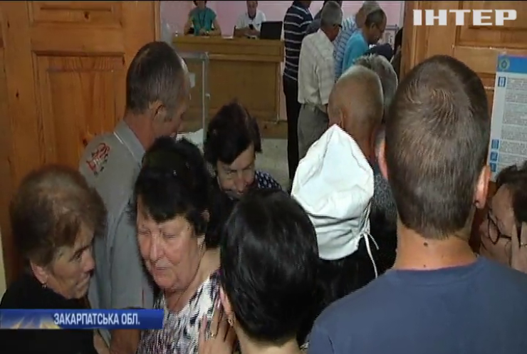Вибори на лікарняному ліжку: пацієнти Мукачівської райлікарні завершують голосування
