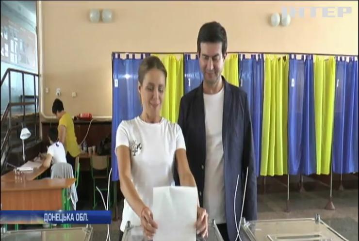 Наталія Королевська проголосувала на виборчій дільниці у Слов'янську