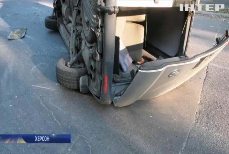 Автомобіль з виборчою документацією потрапив у ДТП