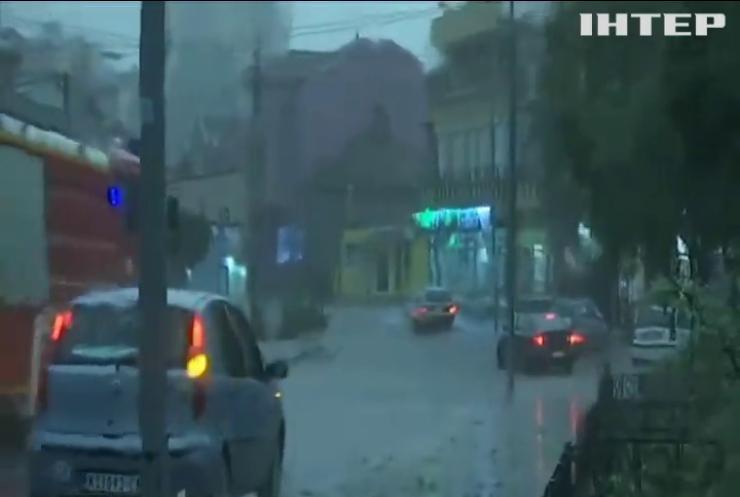 Масштабний буревій накоїв лиха на Балканах