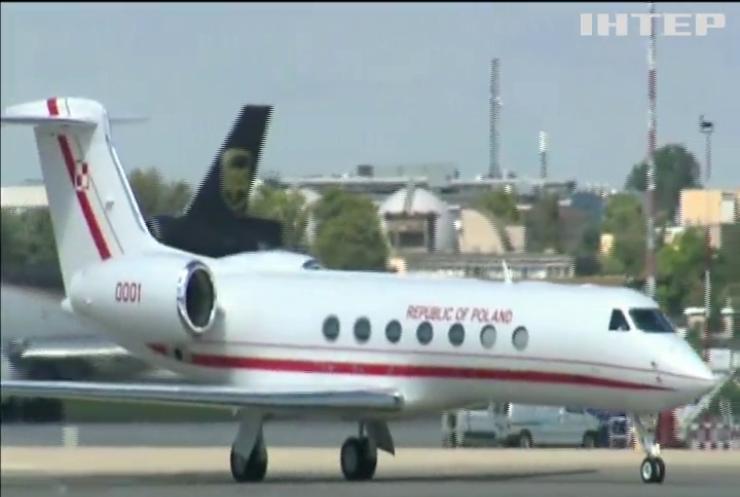Спікер сейму Польщі літав до жінки на урядовому літаку