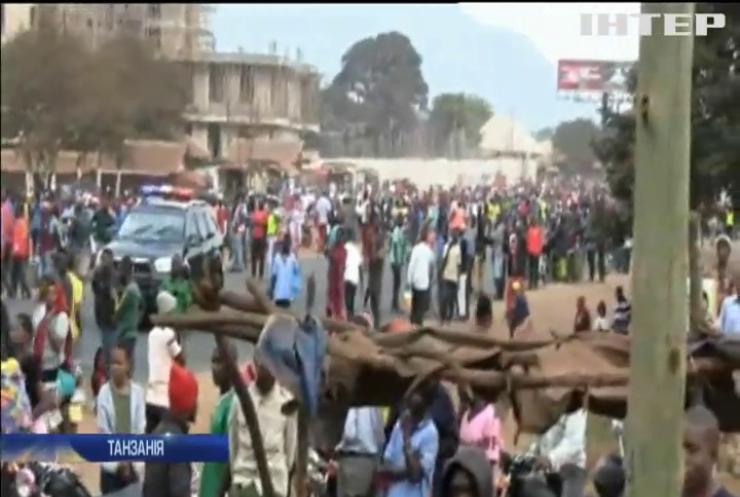 У Танзанії вибухнув бензовоз: десятки людей згоріли живцем
