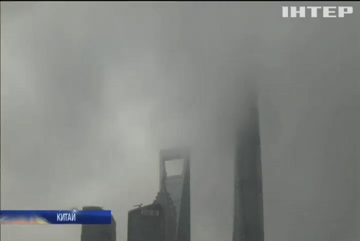 """На Китай обрушився супертайфун """"Лекіма"""""""