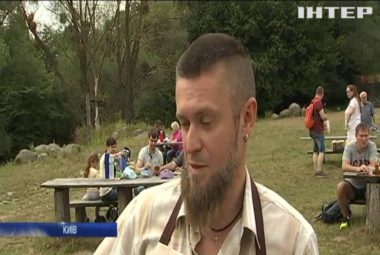 У Пирогові відвідувачів ярмарку знайомили з давніми народними традиціями