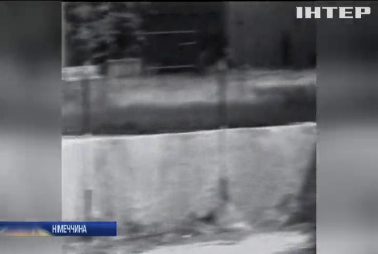 У Німеччині відзначають сумну річницю зведення Берлінської стіни