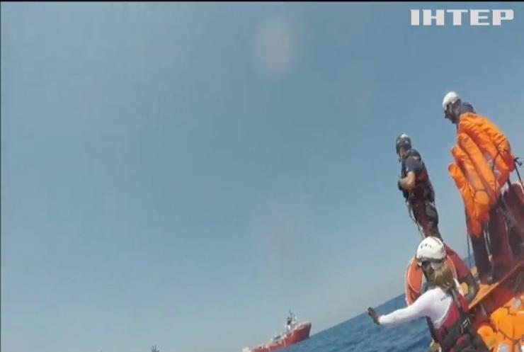 В Італії дозволили кораблю з нелегалами зайти до портів