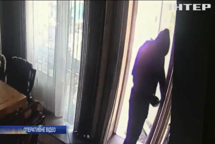 На Київщині затримали трьох іноземців за напад на підприємця