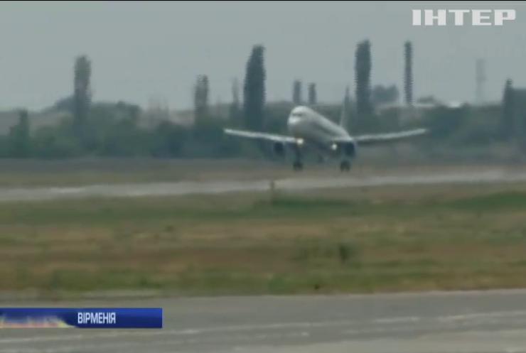 Російський літак здійснив жорстку посадку у Вірменії