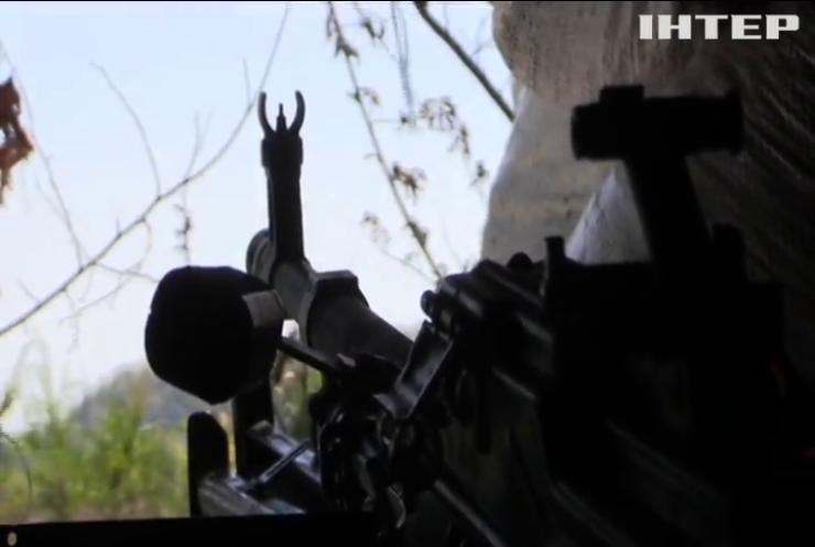 На Донбасі поранено українського захисника