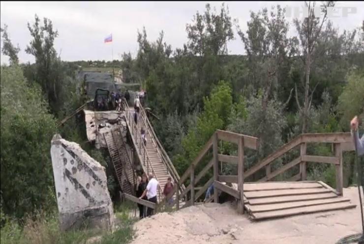 У Станиці Луганській зупиняють демонтаж укріплень