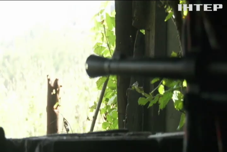 Під Мар'їнкою активізувалися ворожі снайпери