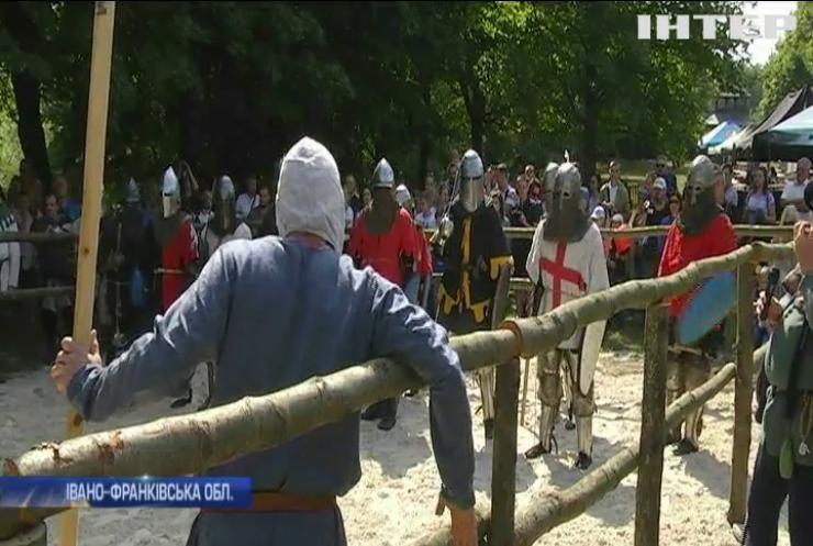 """На фестивалі """"Галицьке лицарство"""" зібралися хоробрі вояки"""
