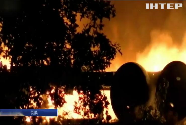 У США вантажний літак розбився під час посадки