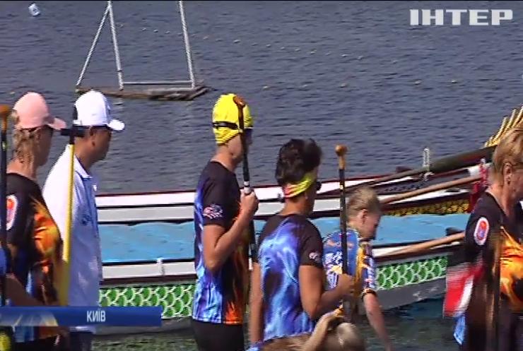У Києві стартував чемпіонат світу з веслування на човнах-драконах