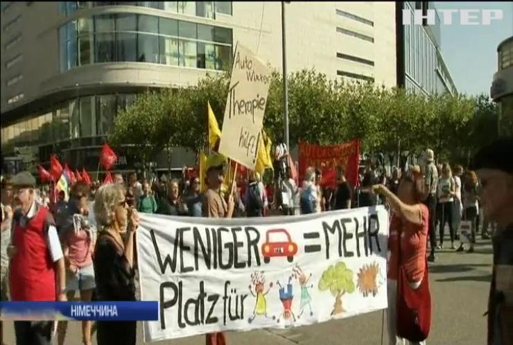 Екоактивісти обурені проведенням авто-шоу у Франкфурті