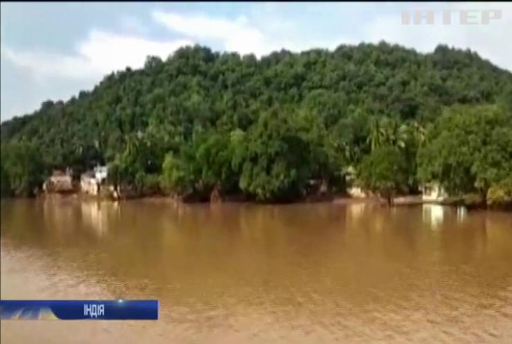 Трагедія у Індії: рятувальники шукають зниклих із туристичного човна