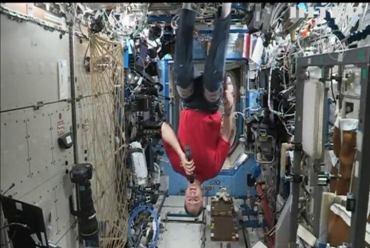 Бред Пітт поспілкувався з астронавтом на борту Міжнародної космічної станції