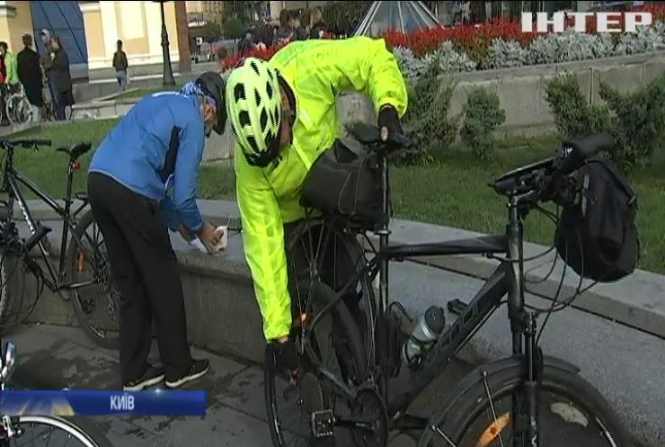 Велосипедом на роботу: власники двоколісних провели у Києві флешмоб