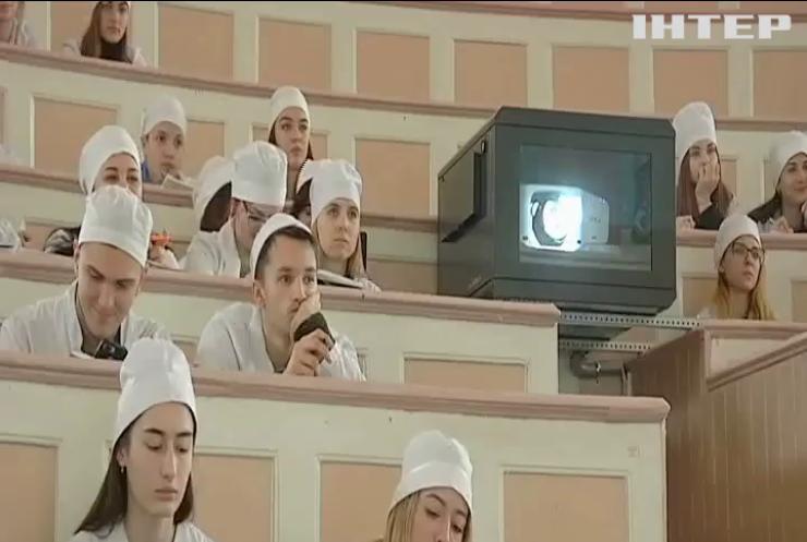 Одеський медуніверситет залишився без керівництва і накопичує борги по зарплатам та стипендіям