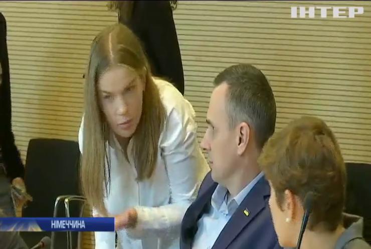 Перша закордонна поїздка після звільнення: Олег Сенцов відвідав Німеччину
