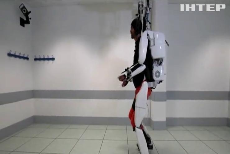 У Британії поставили на ноги паралізованого пацієнта