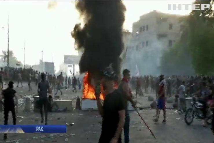 Сотня загиблих, тисячі поранених: в Іраку тривають антиурядові протести