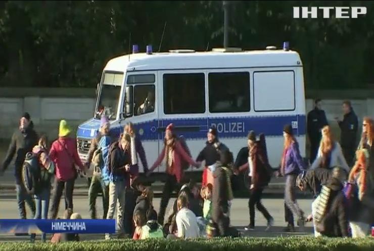 Екоактивісти заблокували рух автотранспорту у Берліні