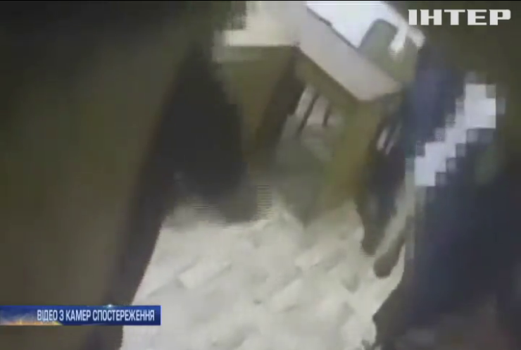 В Одесі затримали правоохоронців, які знущалися над підозрюваними