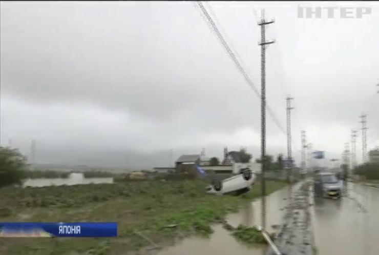 Тайфун у Японії: кількість загиблих зростає