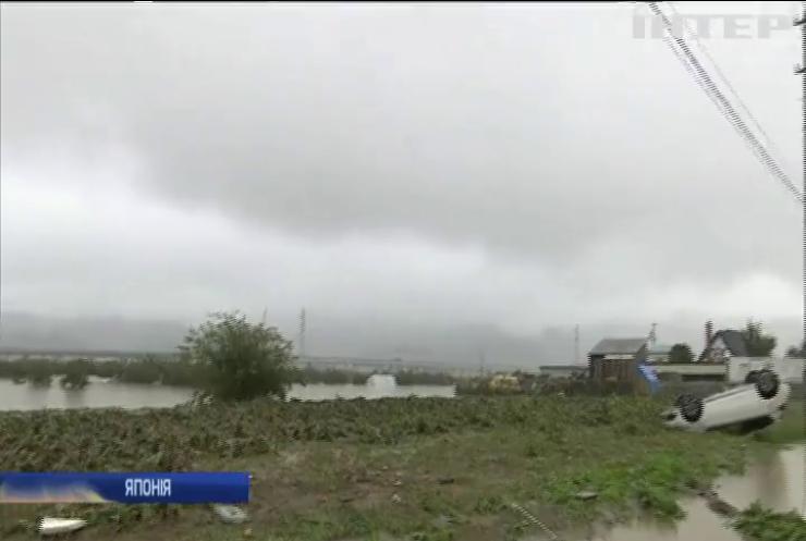 Тайфун у Японії забрав життя 67 людей