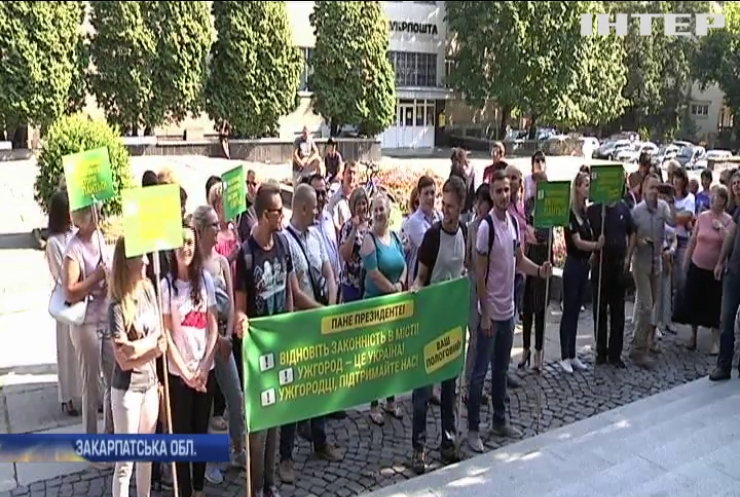 В Ужгороді точаться баталії довкола керівництва міського пологового будинку