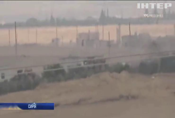 Авіація США знищує свої військові склади з технікою на території Сирії