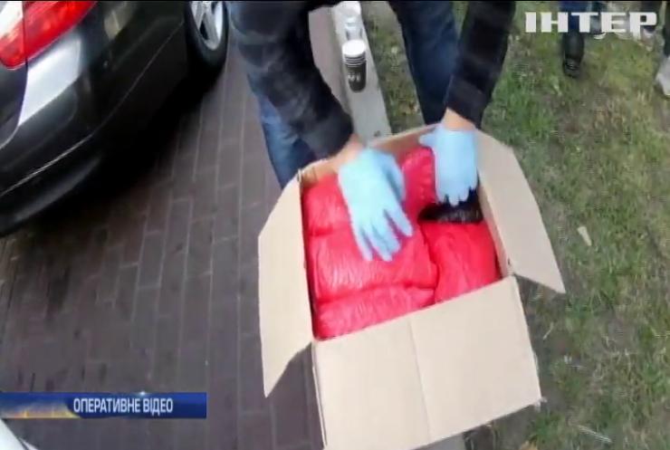 У Києві поліцейські вилучили наркотиків на понад 10 мільйонів гривень