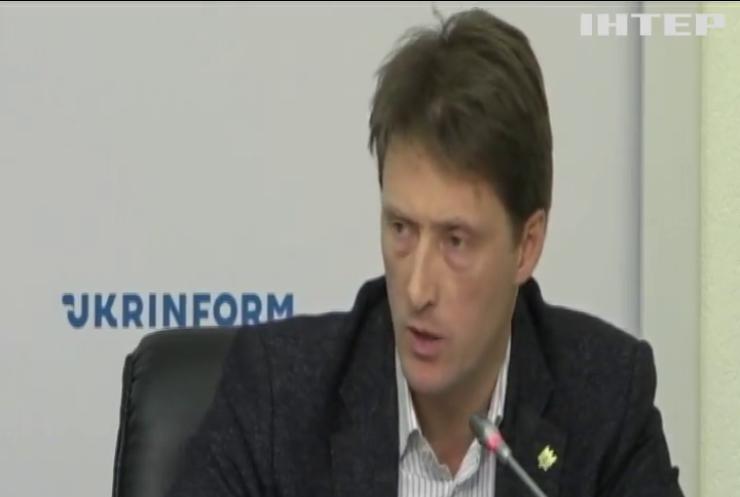 Українські молочні продукти можуть зникнути з полиць магазинів: аграрії б'ють на сполох
