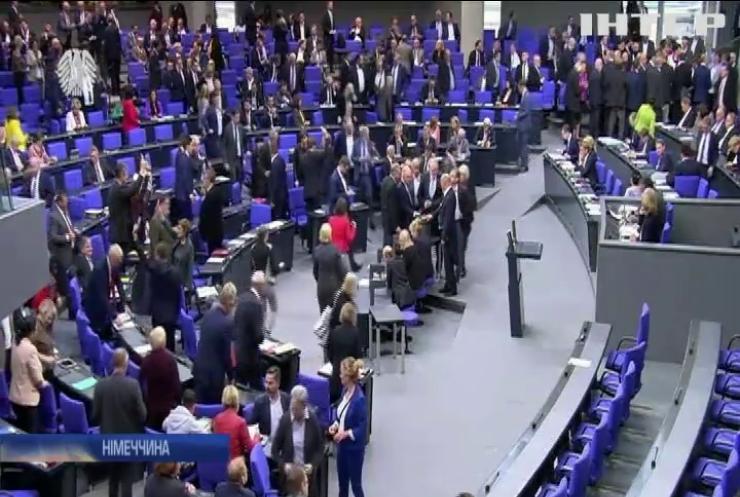 Німецький парламент відхилив пропозиції зняти санкції з Росії