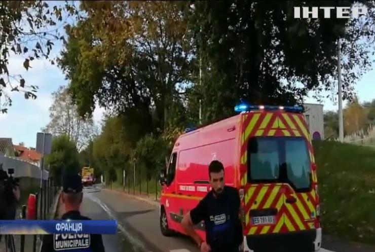 Прихильник партії Марін Ле Пен обстріляв прихожан мечеті