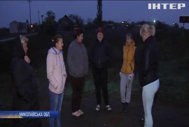 Відтоптані ноги: чого коштує дорога до школи дітям одного з сіл на Миколаївщині