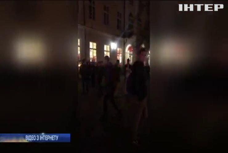 Поліція Львова зупинили бійку футбольних фанатів