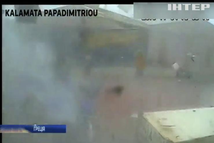 У Греції торнадо вдарив по фабриці олії