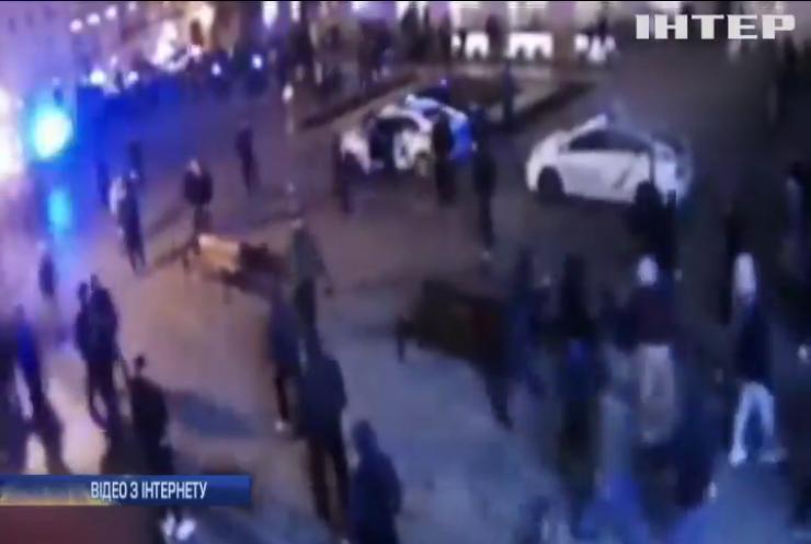 У Львові футбольні фанати влаштували масову бійку