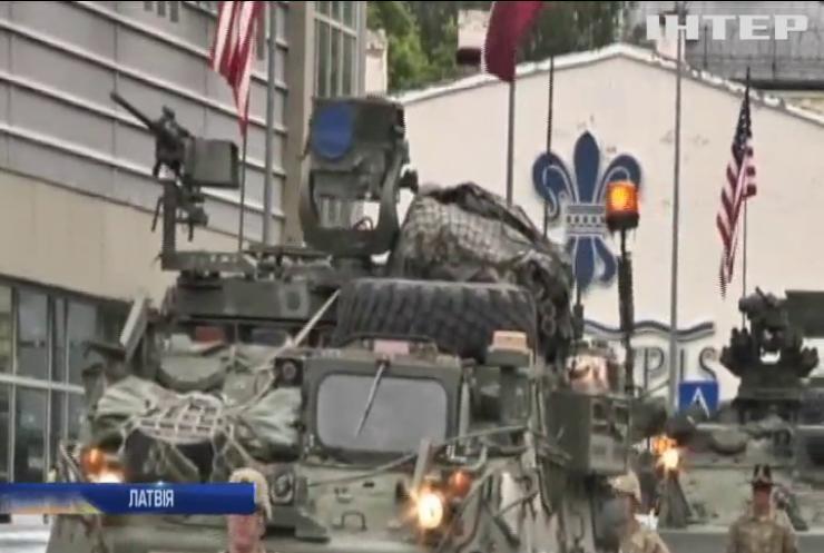 Латвії потрібні постійні контингент НАТО та бойові вертольоти