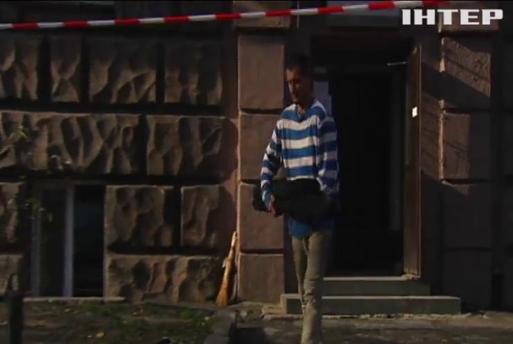 Вогонь і вода: у центрі Києва рятували історичну будівлю