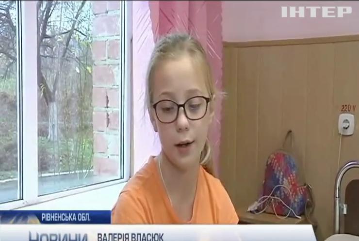 На Рівненщині дванадцять школярів отруїлися підозрілими цукерками