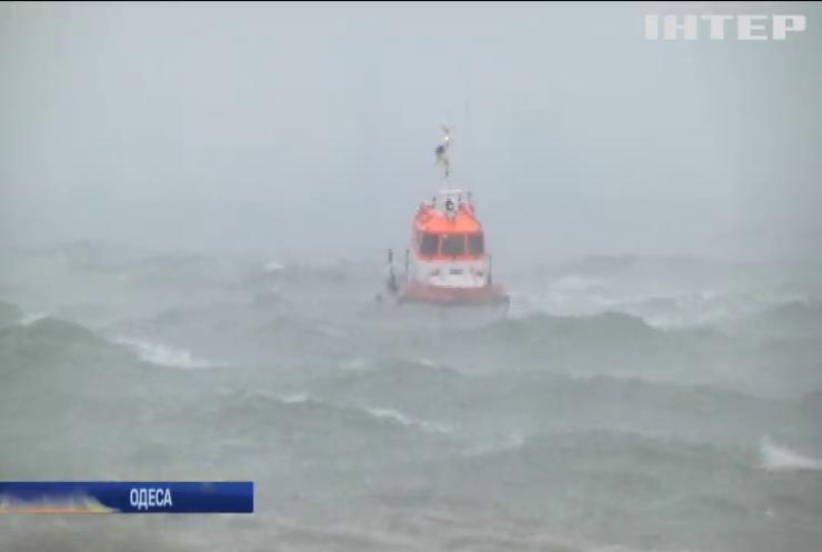 """В Одесі підраховують збитки від аварії танкера """"Делфі"""""""