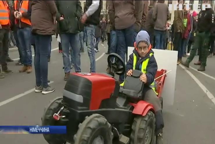 """""""Тракторний протест"""": столицю Німеччини заблокували фермери"""